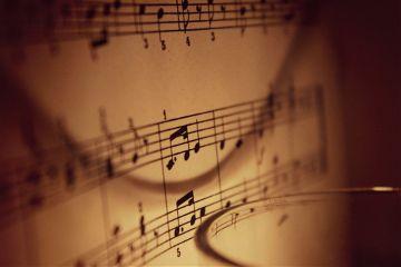 music candle light macro voice